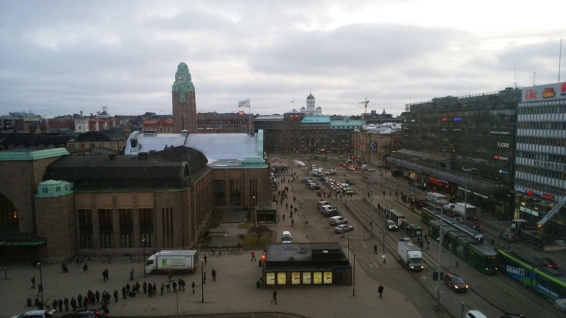 ソコスヴァークナの部屋からみたヘルシンキ中央駅前