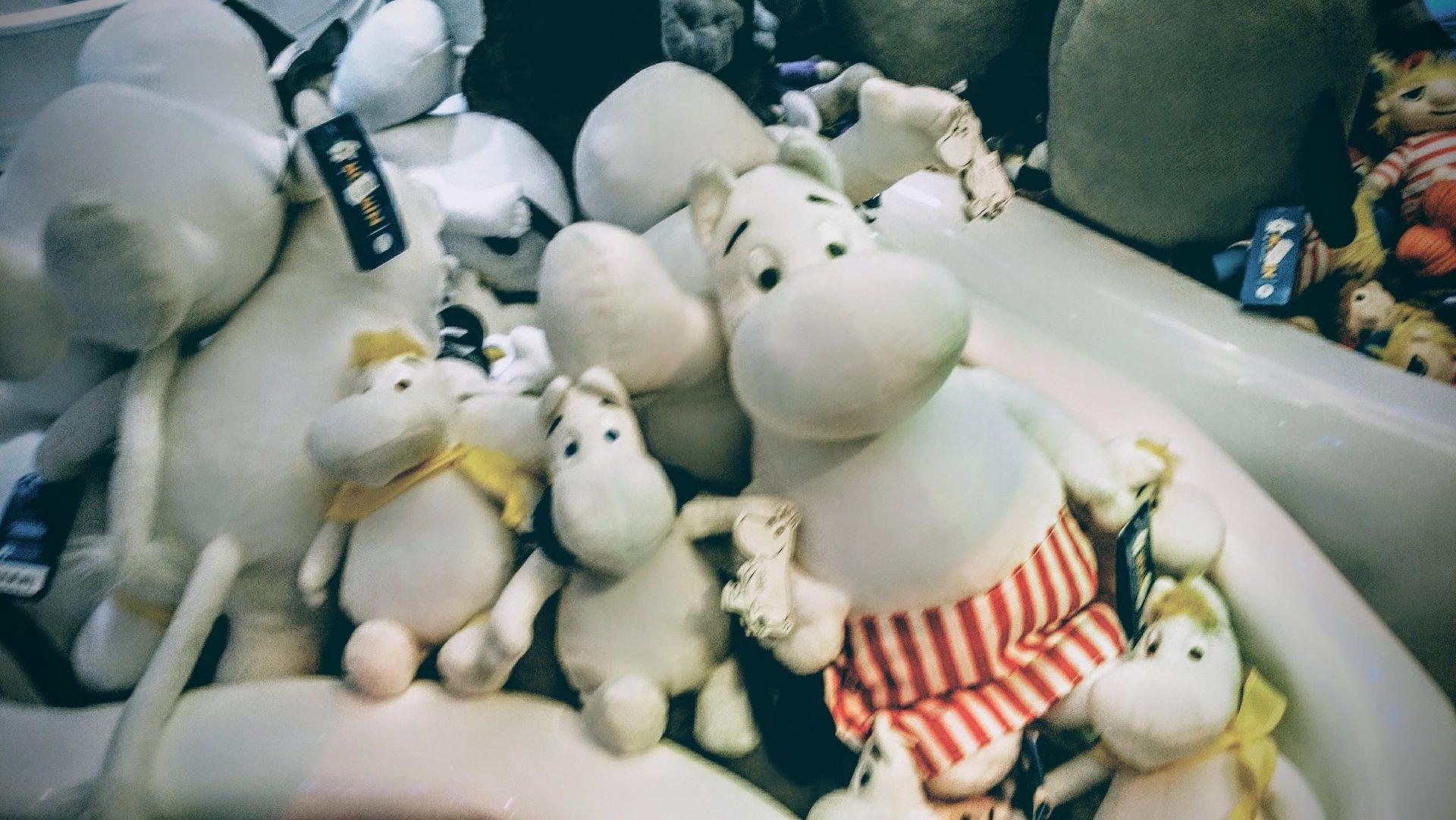 ムーミンショップ内の人形