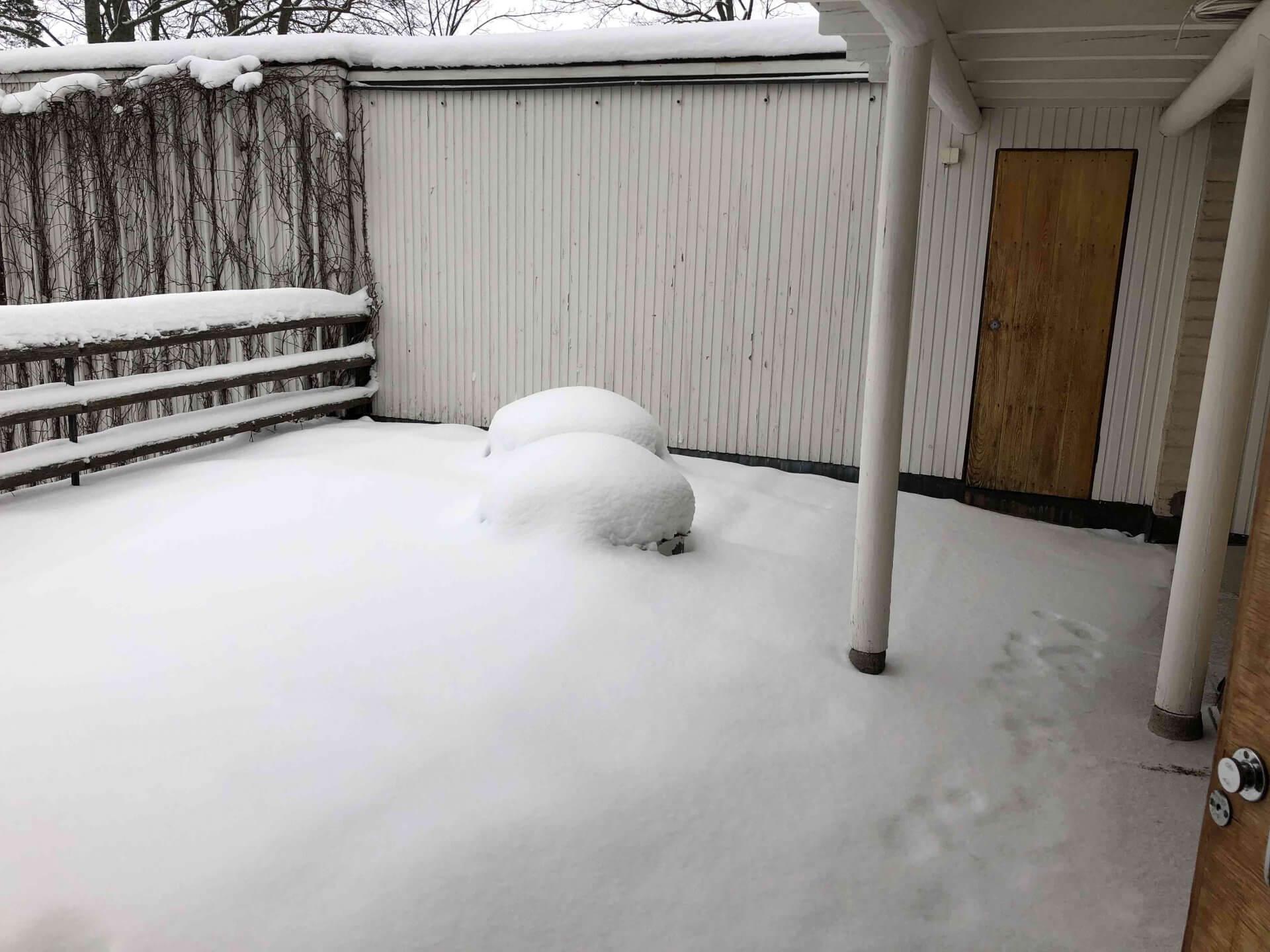アアルト自邸のルーフテラス。雪に覆われていたので外には出られなかった