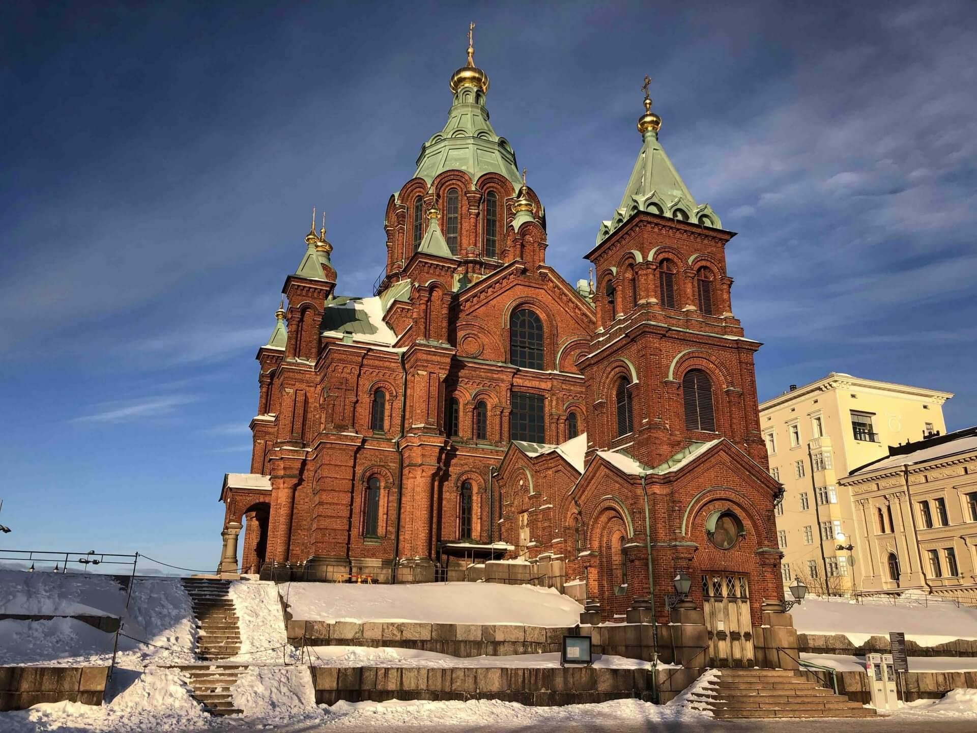階段を上った先に姿を現したウスペンスキー寺院