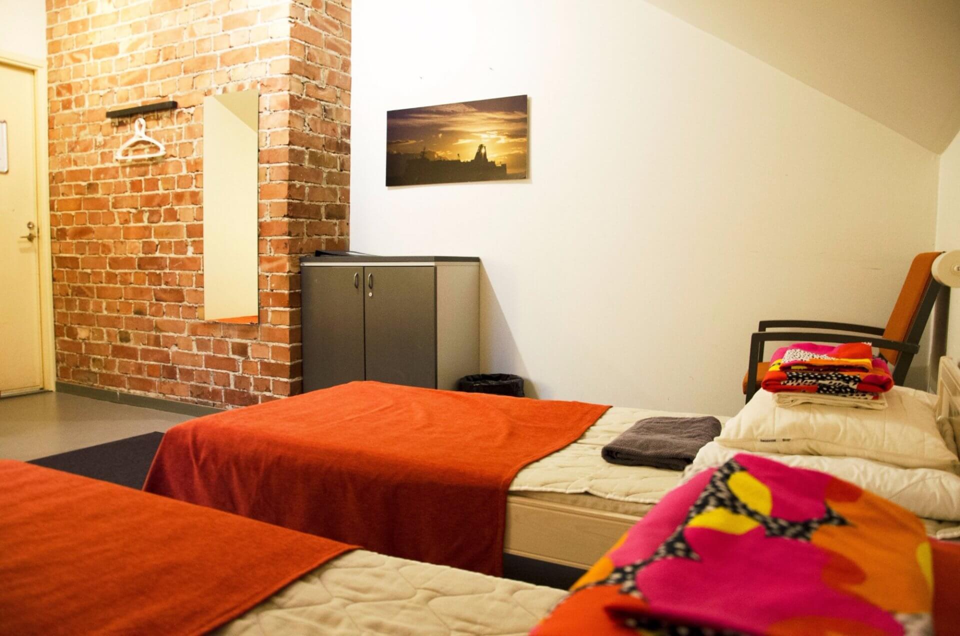 ホステル・スオメンリンナのホームページより。個室も用意されているので家族連れでもプライベートが保証されている